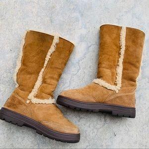 UGG sundance II chesnut brown boot sz8